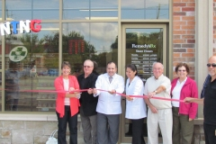 Councillor-Johnson-at-the-Grand-Opening-of-Town-Centre-Remedys-Rx-in-Binbrook-September-2012-1